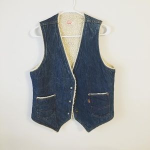 LEVI's SHERPA VEST. Made in USA